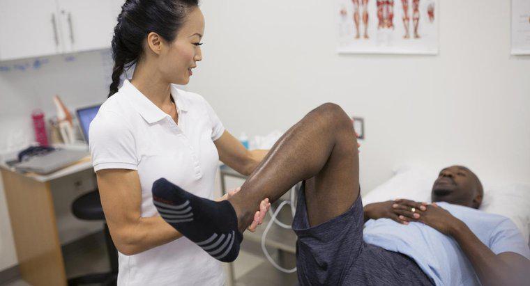 Quali sono le cause del dolore acuto nella gamba in alto a..